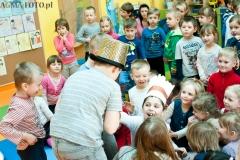 Przedstawienie dzieci ze szkoły w Zaborowie